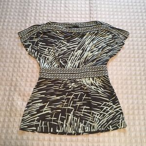 BCBG mint and gray top